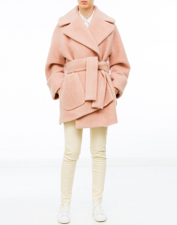 Pink coat carven – Novelties of modern fashion photo blog