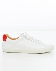 Sneaker básica piel VEJA