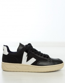 Retro tennis sneakers - black VEJA
